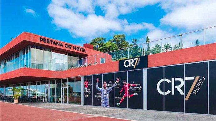 Mở khách sạn 11 tầng tại Manchester, C.Ronaldo tuyên chiến với đồng đội cũ - 2