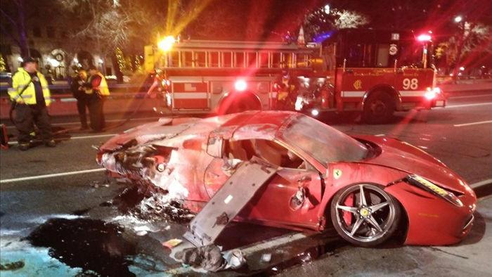 Thanh niên 22 tuổi ôm cua làm lật úp rồi bốc cháy siêu xe Ferrari đi thuê - 2