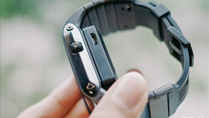 Trên tay Nubia Watch: Smartwatch màn hình uốn dẻo siêu dị không dành cho người bình thường - Ảnh 4.