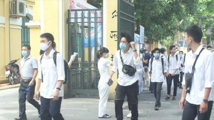 Giáo viên, học sinh tại Hà Nội phải đeo khẩu trang khi đến trường - 1