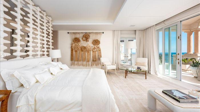 Căn penthouse xa hoa ngắm trọn view biển giá 20 triệu USD của tỷ phú Canada - 10