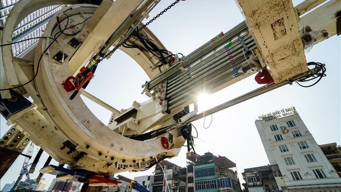Cận cảnh quái vật đào hầm khổng lồ nặng 850 tấn đầu tiên của Hà Nội - 1