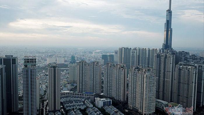 Cận cảnh loạt chung cư cao cấp 'bóp nghẹt' hơn 3km đường ở TP.HCM