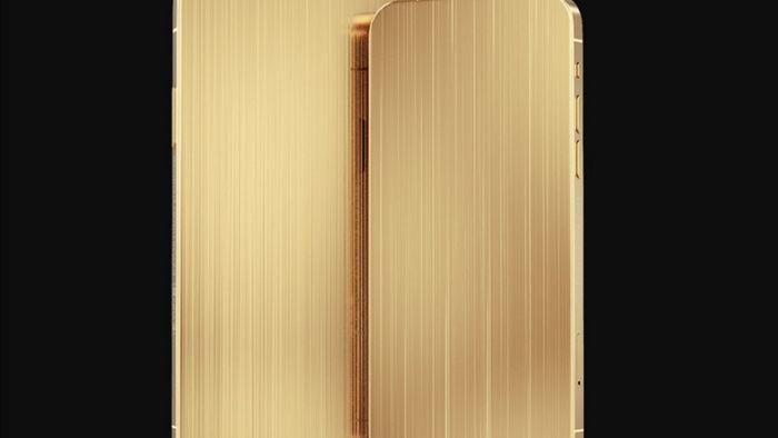 iPhone 12 Pro gắn thêm mảnh áo của Steve Jobs có giá 10.000 USD - Ảnh 1.