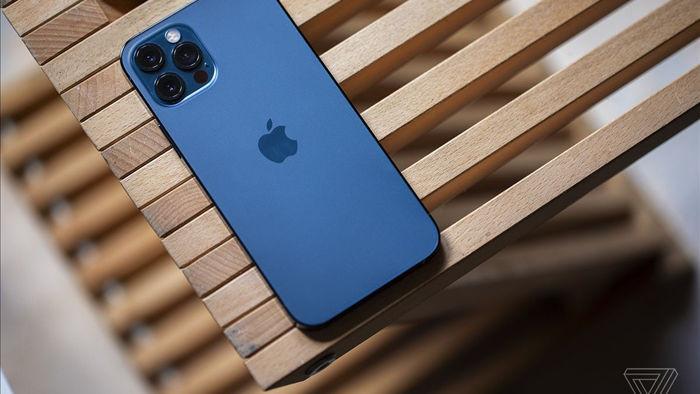 Hàng loạt iPhone gặp lỗi tin nhắn SMS và iMessages - Ảnh 1.