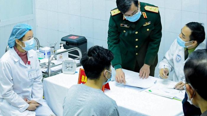 Vắc xin Covid-19 được tiêm trên người: Việt Nam bước vào cuộc chiến mới - 1