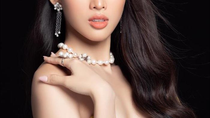 Nhan sắc Hoa hậu Đỗ Thị Hà và 2 Á hậu sau một tháng đăng quang - 15