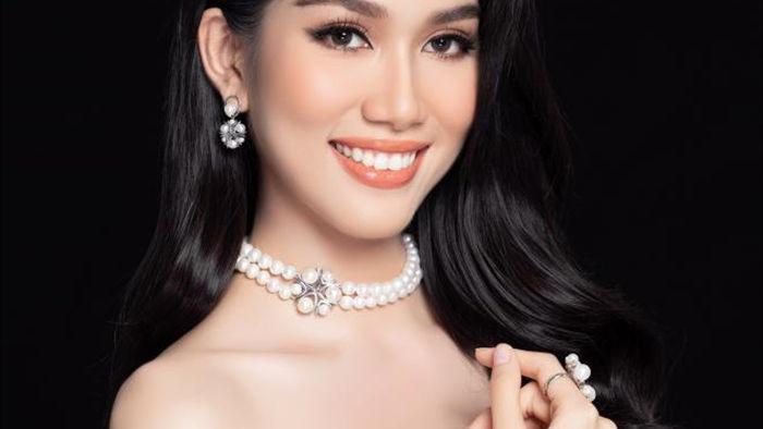 Nhan sắc Hoa hậu Đỗ Thị Hà và 2 Á hậu sau một tháng đăng quang - 13