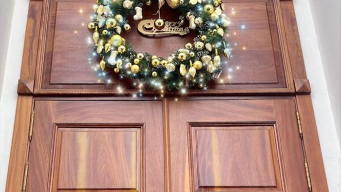 Sao Việt khoe độ giàu có mùa Noel: Biệt thự 40 tỷ được Ngọc Trinh decor chặt chém, biệt thự Bảo Thy sáng nhất khu nhà giàu quận 7 - Ảnh 8.