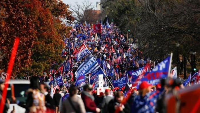 Người ủng hộ Tổng thống Trump đổ về Washington DC biểu tình - 1