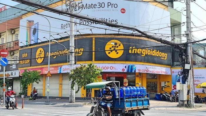 Một năm 'vô tiền khoáng hậu' của bán lẻ di động Việt Nam