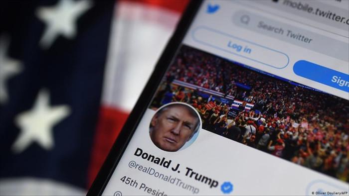 Twitter đình chỉ vĩnh viễn tài khoản của ông Trump - 1