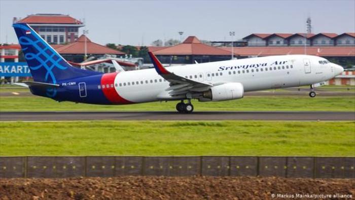 Máy bay Indonesia chở 59 người đột ngột mất liên lạc - 1