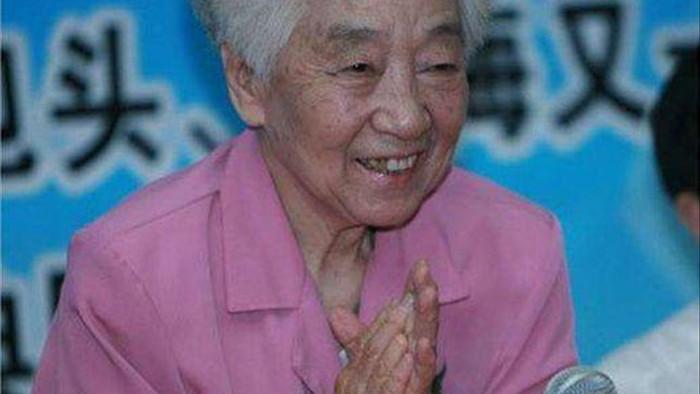 Nữ nghệ sĩ mắc ung thư vú nhưng vẫn sống hơn 40 năm tới 99 tuổi nhờ 3 thói quen - 4