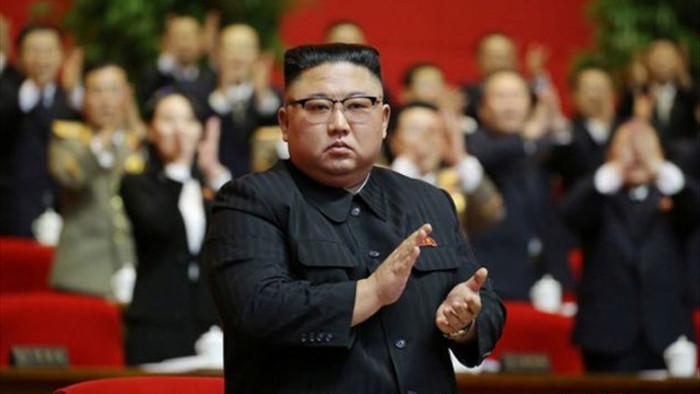 Kim Jong Un đắc cử chức Tổng bí thư, Triều Tiên duyệt binh ban đêm