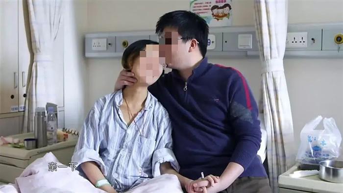 2 vợ chồng 9x cùng lúc mắc bệnh ung thư ruột, bác sĩ nói vì họ đã ăn nhiều thứ thực phẩm