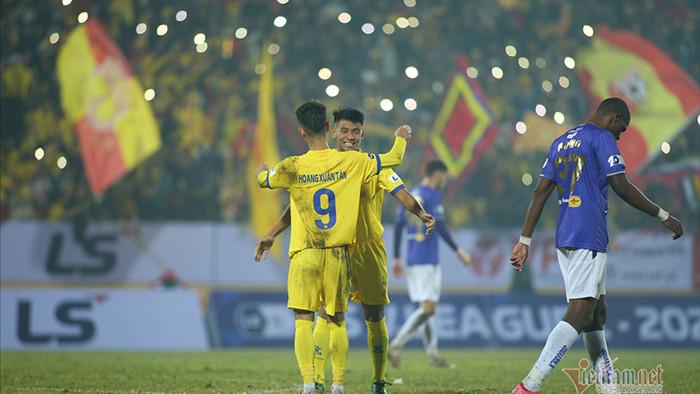 HLV Chu Đình Nghiêm: 'Hà Nội thua vì bị vỡ trận'