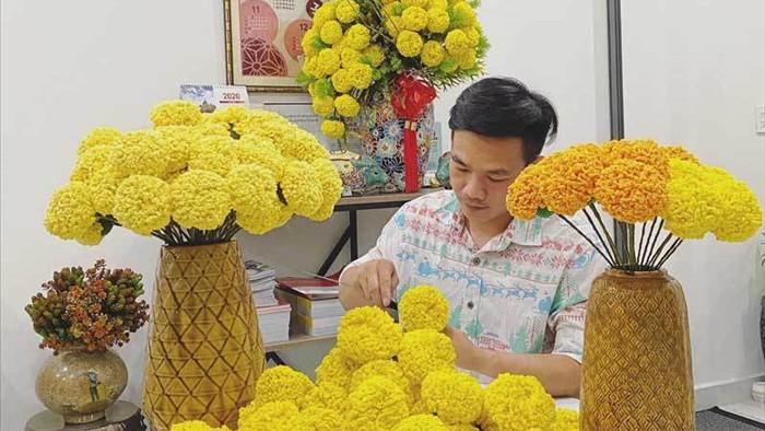 Hoa đào len sợi, giá chục triệu vẫn khó mua chơi Tết