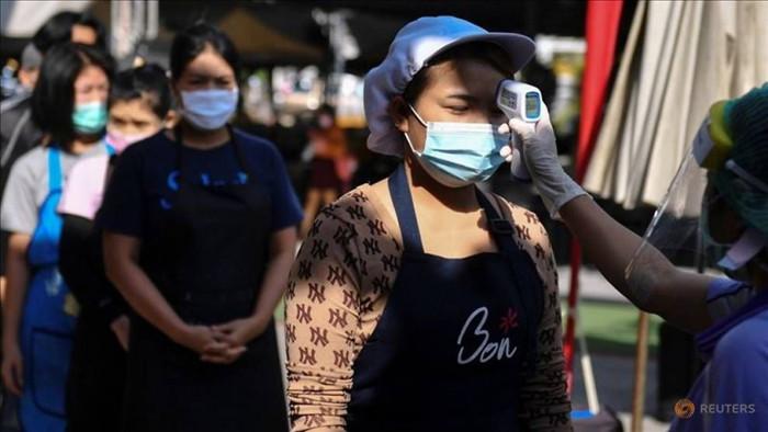 Gần một tháng qua, Thái Lan đã phải lao đao vì dịch Covid-19 quay trở lại nước này một cách mạnh mẽ với gần 7.000 ca mắc mới. Ảnh: Reuters