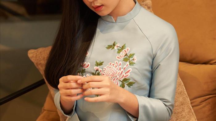 Con gái 16 tuổi, xinh như hoa hậu của Lưu Thiên Hương - Ảnh 4.