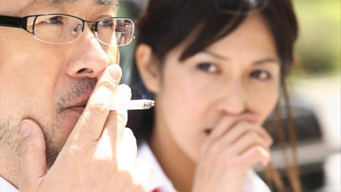 Sống cùng chồng hút thuốc, người phụ nữ mắc ung thư phổi