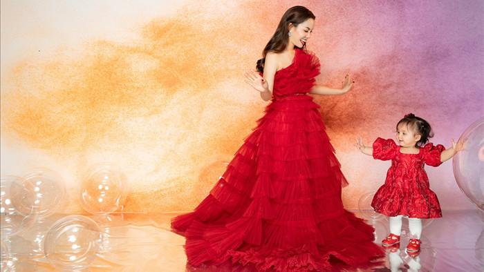 Ca sĩ Ngọc Anh khoe nhan sắc U40 bên con gái nhỏ - Ảnh 4.