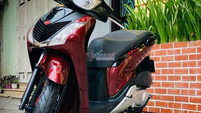 """Honda SH 2010 biển """"san bằng tất cả"""" rao giá hơn 200 triệu đồng"""
