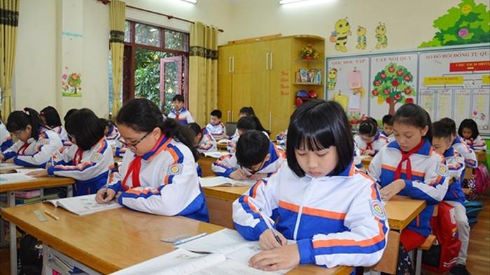 Quảng Ninh có ca COVID-19 trong cộng đồng, học sinh TP Hạ Long nghỉ học từ 28/1 - 1