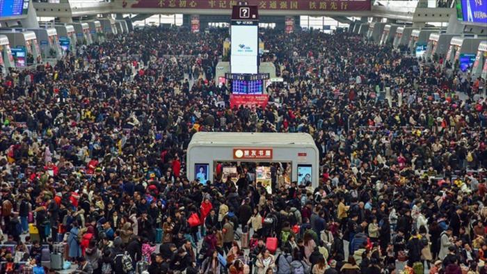 Lo Covid-19, Trung Quốc cấp tập thu hẹp cuộc di dân khổng lồ về quê ăn Tết - 1