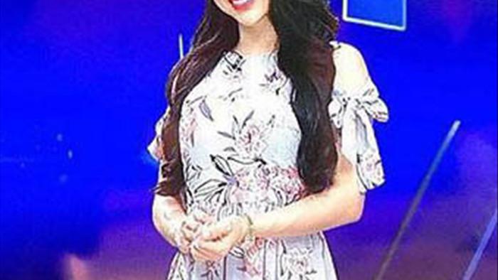MC Bạch Lan Phương - bạn gái hơn 6 tuổi của Huỳnh Anh mặc gợi cảm
