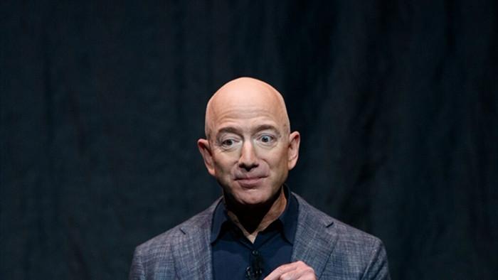 Tỷ phú Jeff Bezos từ chức giám đốc điều hành tập đoàn Amazon - 1