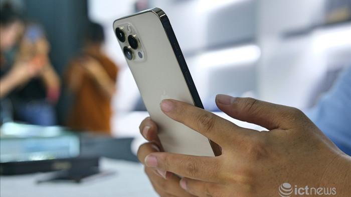 iPhone 12 đồng loạt giảm giá dịp Tết Tân Sửu