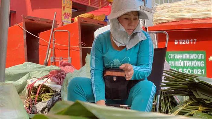 Chợ lá dong đông đúc nhất Sài Gòn chỉ còn vài người bán - Ảnh 3.