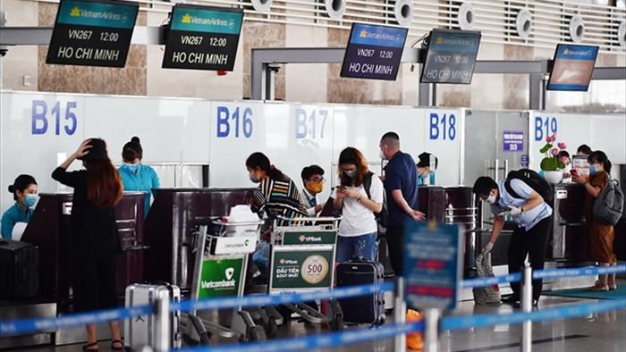 Lượng khách đặt vé máy bay dịp Tết hồi phục  - 1