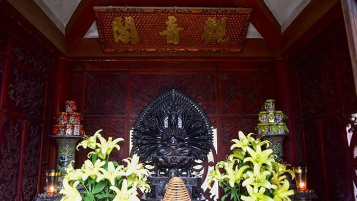 Tượng Phật từ đá quý nguyên khối trong ngôi chùa nghìn năm tuổi ở Hà Nội - 8
