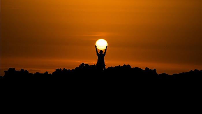 Ánh nắng Mặt Trời không chỉ duy trì sự sống trên Trái Đất, thứ vitamin S này còn chữa được những bệnh tâm lý như trầm cảm - Ảnh 1.