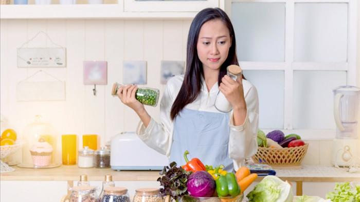 Ai tươi thì tươi, chứ người ôm bếp ngày Tết là nhất định…héo ngay trong ngày mùng Một rồi! Ảnh: internet