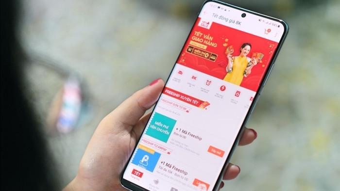Người dân Sài Gòn chuyển sang sắm Tết online