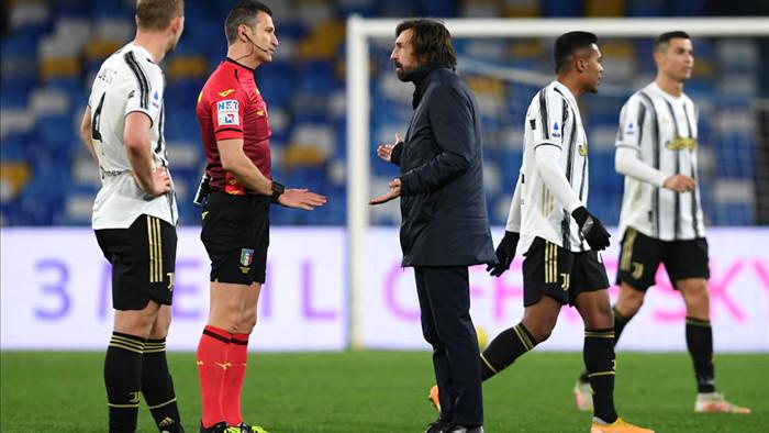 Juventus thua đau Napoli, Pirlo đổ lỗi cho trọng tài