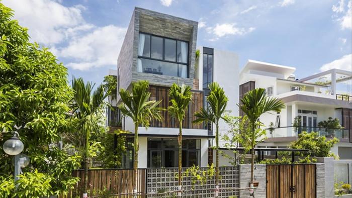 Cuộc sống vui thú điền viên trong căn nhà 3 tầng ngập cây xanh ở Nha Trang - 2