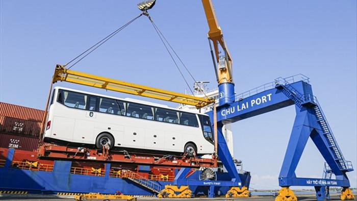 THACO xuất khẩu hơn 200 ô tô và linh kiện phụ tùng trong ngày ra quân đầu năm - 1