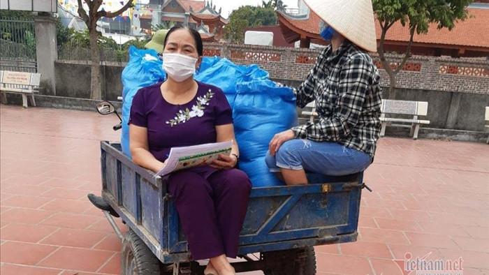 Ông đồng nát, bà chủ tạp hóa và chiếc xe 'ọc ạch' ở ổ dịch Cẩm Giàng