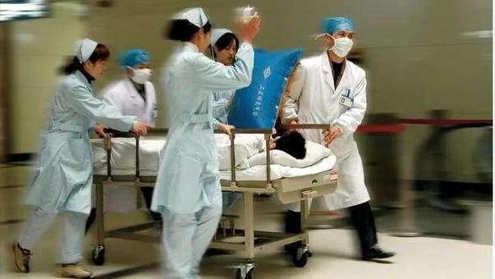 Người đàn ông 33 tuổi đột tử do nhồi máu não, bác sĩ cảnh báo 2 việc không làm sau bữa ăn - Ảnh 3.