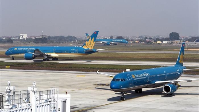 Thêm loạt chuyến bay đưa người Việt về nước - 1
