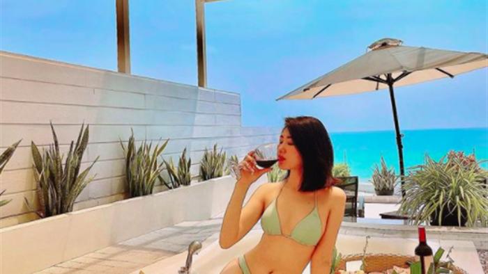 Thúy Ngân diện bikini khoe vóc dáng nóng bỏng - Ảnh 2.