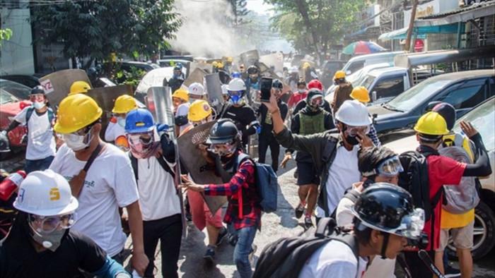 Thêm 3 người biểu tình ở Myanmar bị bắn chết - 1