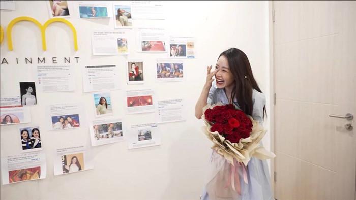 Chi Pu bật khóc vì được Mỹ Tâm khen giọng hát, netizen phản ứng cực gắt với loạt bình luận đọc mà mệt mỏi - Ảnh 1.