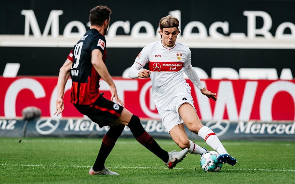 Borna Sosa: 'David Beckham' của Bundesliga - 2