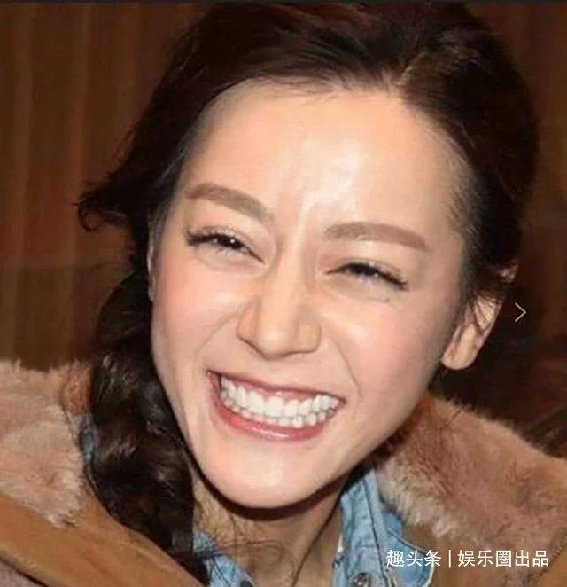Mỹ nhân Hoa ngữ cùng những giây phút cười thả phanh vô tình rơi vào ống kính truyền thông-4