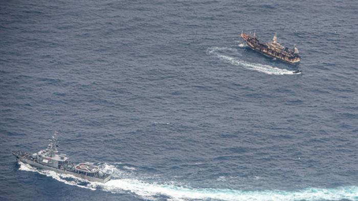 Tàu cá Trung Quốc tận diệt hàng nghìn tấn hải sản ở vùng biển nước ngoài - 1